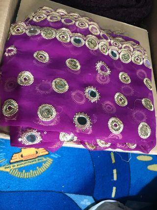 Loose fabric or huge shawl
