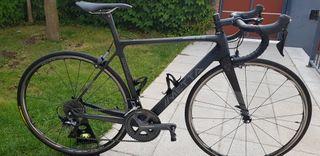 Bicicleta METTA CARBON SARIN 4.0