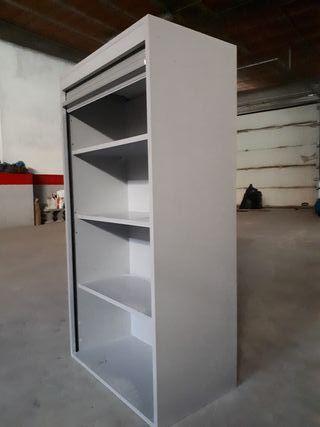Mueble de cocina con persiana