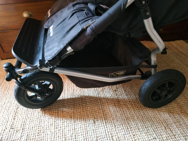 Carro gemelar Mountain Buggy Duet negro