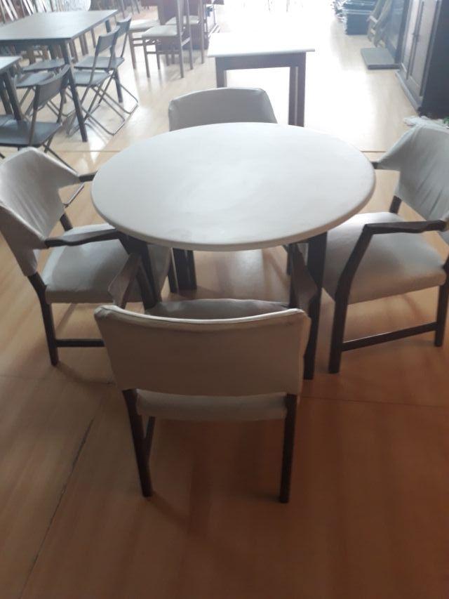 mesas redondas y cuadradas