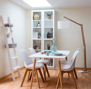 Mesa y sillas estilo nordic nuevo de segunda mano por 45 en barcelona en wallapop - Comedores de segunda mano en barcelona ...