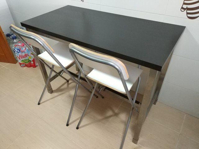 Mesa alta cocina + taburetes (Ikea) de segunda mano por 139 € en ...