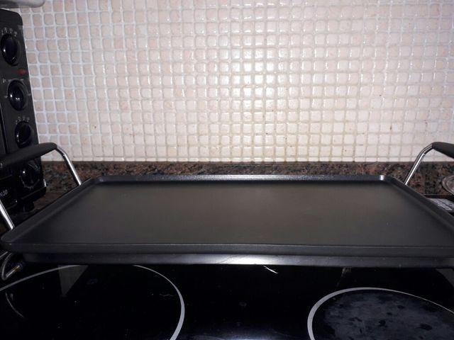 Plancha eléctrica de cocina UFESA.