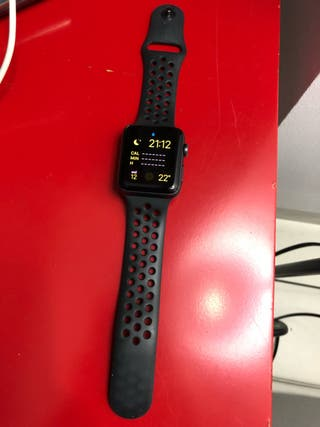 Apple Watch series 3 42mm Nike Edition + AppleCare