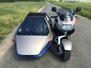 Yamaha con sidecar