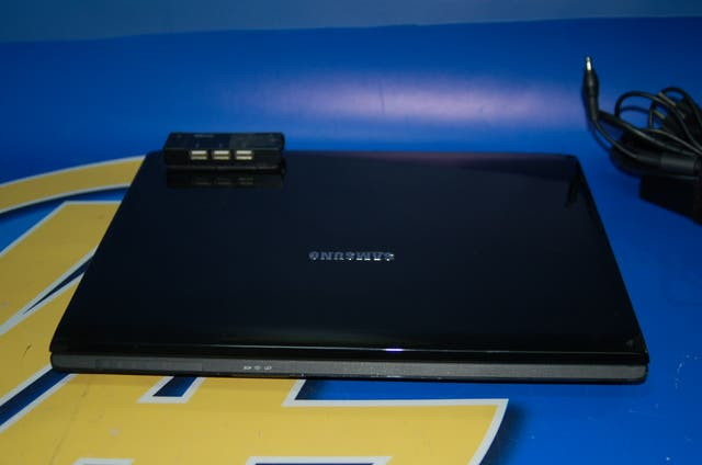 Ordenador Portatil SAMSUNG R70 -120 gb-3gb Ram