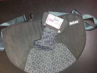 Cinturón adaptador para embarazadas.