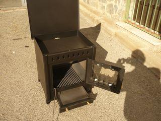 Estufa de leña con horno, nueva, medidas 58X53X48