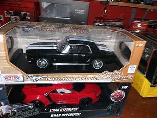 1/18 maqueta Ford Mustang del 1964