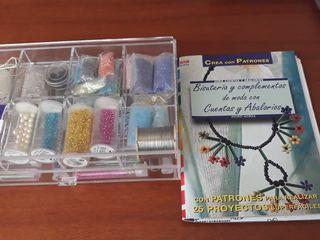 Caja metacrilato con abalorios