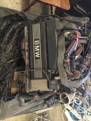 BMW Serie 7 M62B44