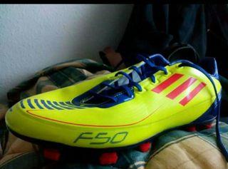 vendo zapatillas de fútbol ADIDAS