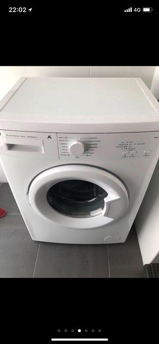 Lavadora Teka con solo dos años