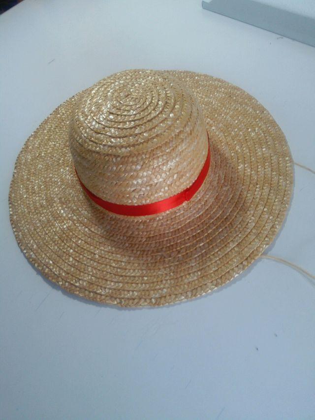 faaec7f0f9c9c Sombrero de paja One Piece de segunda mano por 5 € en Priego de ...
