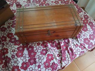 caja de madera baul