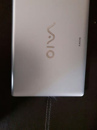 Portatil sony vaio blanco