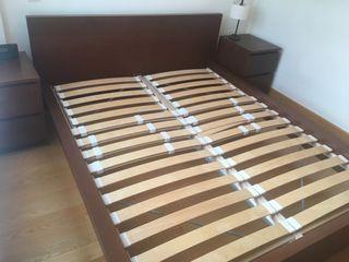 Juego estructura cama y mesillas