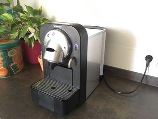 Cafetera Nespresso Pro CS100