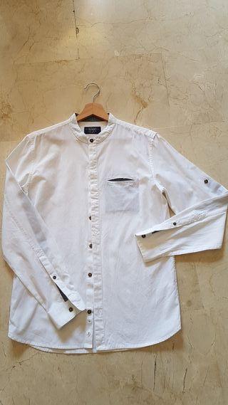 camisa blanca pull bear cuello mao