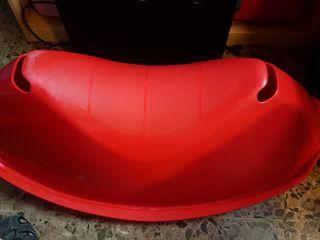 Balancin rojo de Ikea
