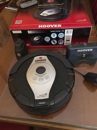 Robot aspirador con juego de recambios nuevos!!!!