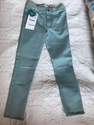 Pantalón niña nuevo T 5 años
