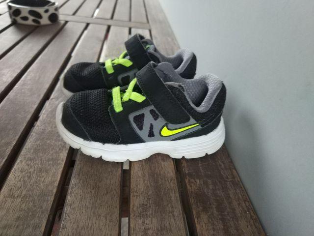 09af03e3e Zapatillas Nike (talla 22) de segunda mano por 15 € en El Prat de ...