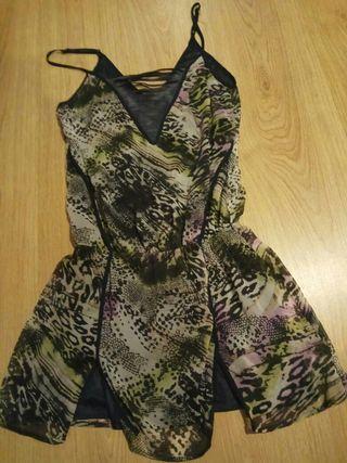 Precioso vestido leopardo morado y verde,Talla S