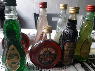 Botellas pequeñas.