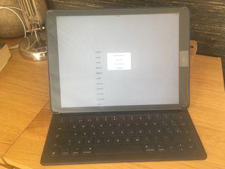 """iPad Pro 12,9"""" 128Gb a Estrenar con teclado"""
