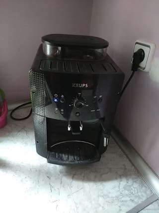 Cafetera Súperautomática con molinillo