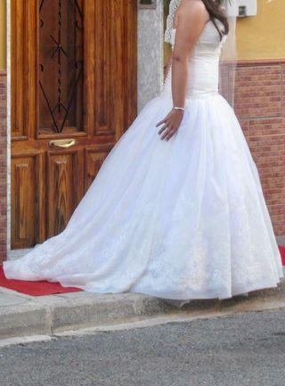 vestido de novia rosa clara de segunda mano en la provincia de
