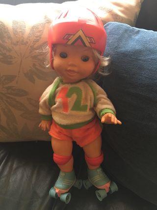 Muñeca VICMA patinadora