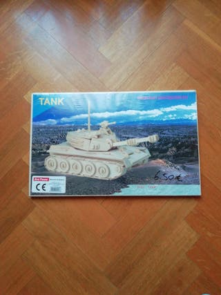 Maqueta de madera tanque