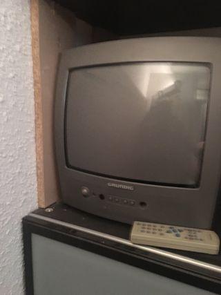 Televisión Grunding + descodificador inves
