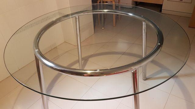 Mesa comedor cristal Ikea de segunda mano por 30 € en Paracuellos de ...