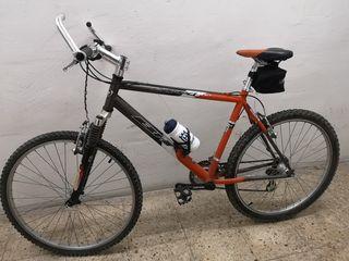 Bicicleta BH de 18 velocidades.