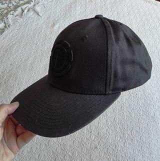 Gorra negra de segunda mano en Gijón en WALLAPOP e5fd8cdac60