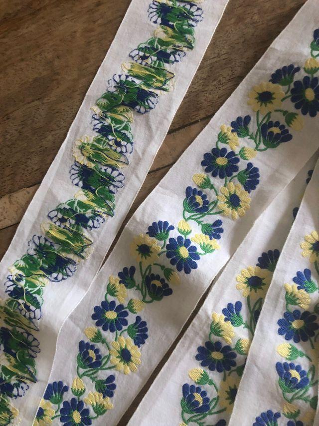 ruban blanc Vintage brodé de fleurs bleues et jaun
