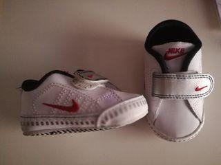 Zapatillas bebe marca Nike
