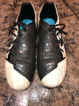 Botas de fútbol multitaco Nike T90