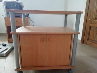 mesa de TV y mesilla