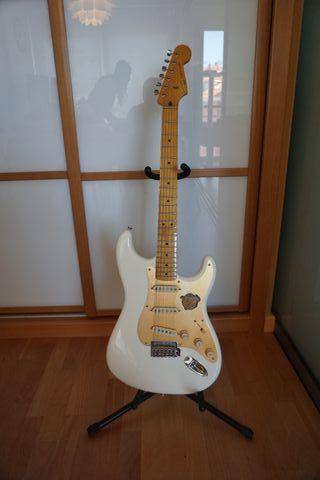Guitarra Eléctrica Squier Classic Vibe