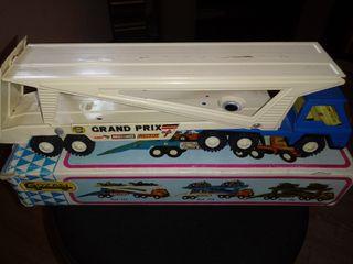 juguete antiguo. camion antiguo furia de gozan