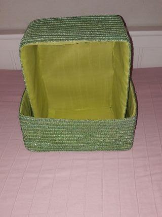 2 cestas verdes