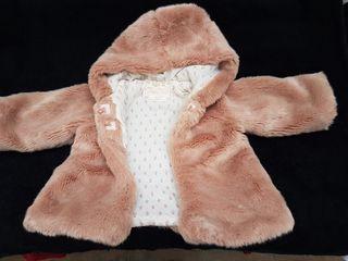 Abrigo bebe incluye bufanda y capota