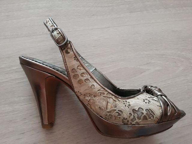 abeb4192acf14 Zapatos de tacón Jose Antonio Strena talla 35 de segunda mano por 30 ...