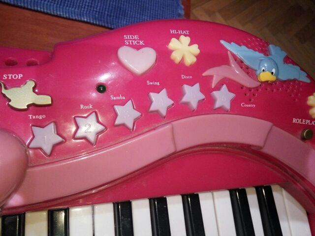 Órgano teclado princesas