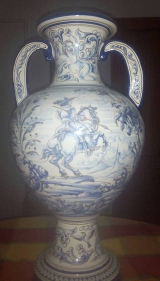 Ánfora de cerámica de Talavera